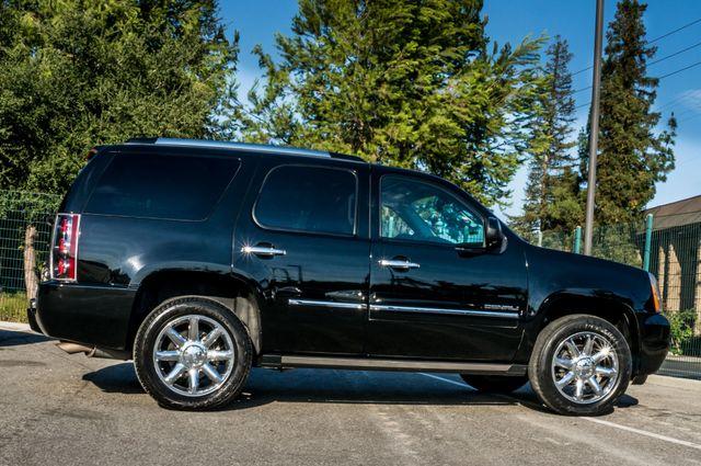 2011 GMC Yukon Denali  4WD - AUTO - NAVI - DVD - TOW PKG Reseda, CA 6