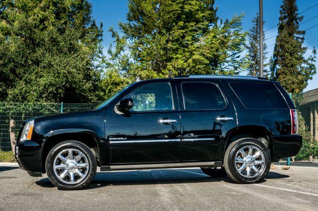 2011 GMC Yukon Denali  4WD - AUTO - NAVI - DVD - TOW PKG Reseda, CA 5