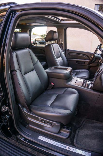 2011 GMC Yukon Denali  4WD - AUTO - NAVI - DVD - TOW PKG Reseda, CA 29