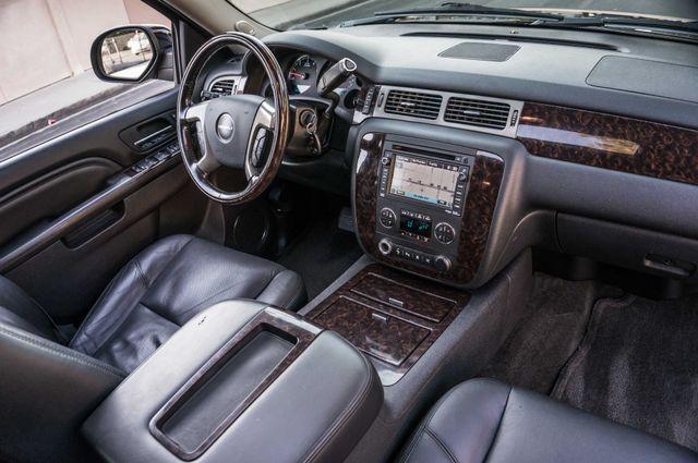 2011 GMC Yukon Denali  4WD - AUTO - NAVI - DVD - TOW PKG Reseda, CA 33