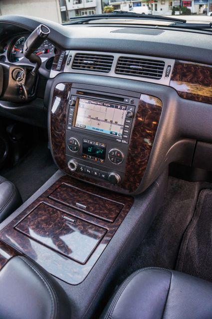 2011 GMC Yukon Denali  4WD - AUTO - NAVI - DVD - TOW PKG Reseda, CA 19