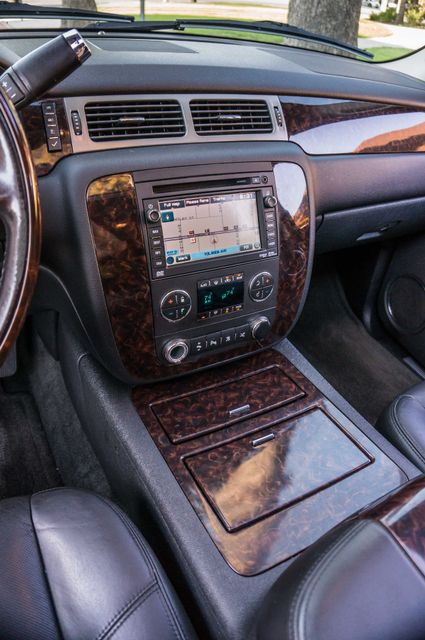 2011 GMC Yukon Denali  4WD - AUTO - NAVI - DVD - TOW PKG Reseda, CA 21