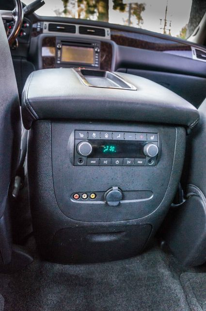 2011 GMC Yukon Denali  4WD - AUTO - NAVI - DVD - TOW PKG Reseda, CA 35