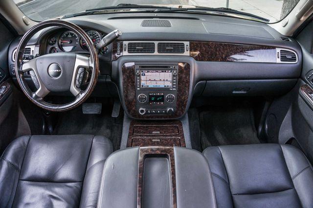 2011 GMC Yukon Denali  4WD - AUTO - NAVI - DVD - TOW PKG Reseda, CA 17