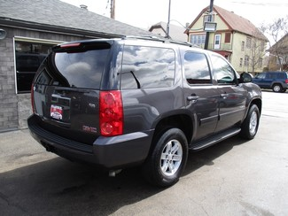2011 GMC Yukon SLE Milwaukee, Wisconsin 3