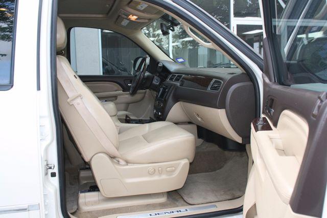 2011 GMC Yukon XL Denali Houston, Texas 10