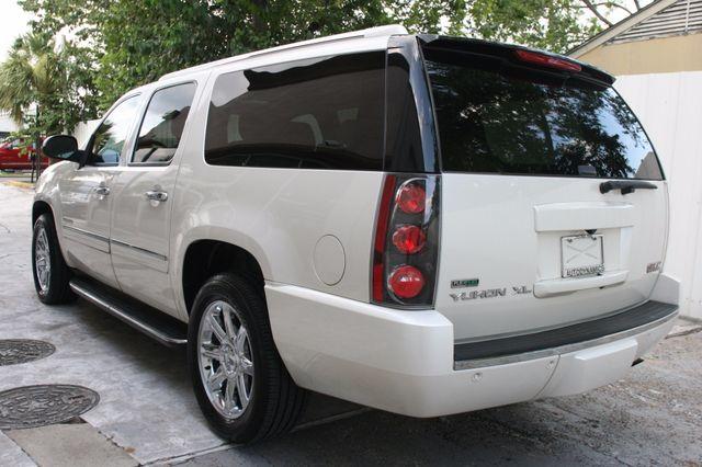 2011 GMC Yukon XL Denali Houston, Texas 3