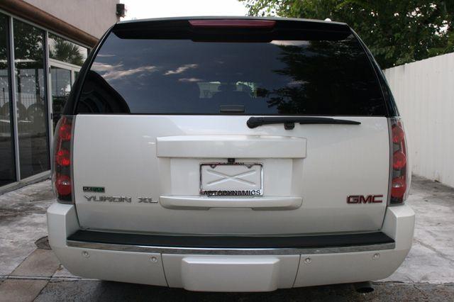 2011 GMC Yukon XL Denali Houston, Texas 4