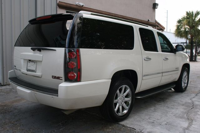 2011 GMC Yukon XL Denali Houston, Texas 5