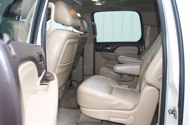 2011 GMC Yukon XL Denali Houston, Texas 9