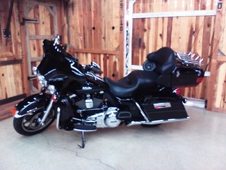 2011 Harley-Davidson Electra Glide® Ultra Limited Anaheim, California 1