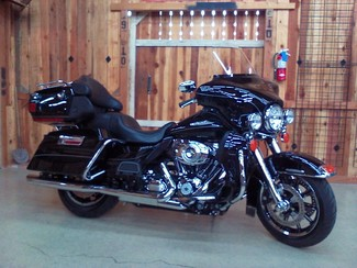 2011 Harley-Davidson Electra Glide® Ultra Limited Anaheim, California 13