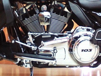 2011 Harley-Davidson Electra Glide® Ultra Limited Anaheim, California 18