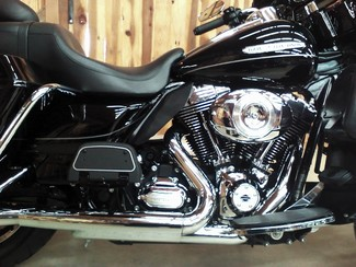 2011 Harley-Davidson Electra Glide® Ultra Limited Anaheim, California 3