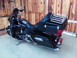 2011 Harley-Davidson Electra Glide® Ultra Limited Anaheim, California 23