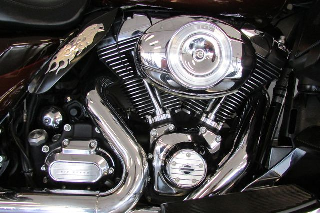 2011 Harley-Davidson Electra Glide® Ultra Limited Arlington, Texas 17