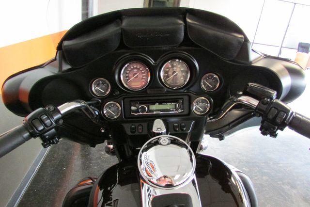 2011 Harley-Davidson Electra Glide® Ultra Limited Arlington, Texas 31