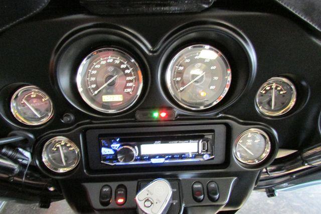 2011 Harley-Davidson Electra Glide® Ultra Limited Arlington, Texas 32