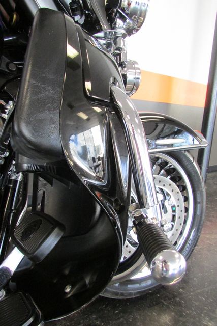 2011 Harley-Davidson Electra Glide® Ultra Limited Arlington, Texas 19