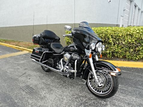 2011 Harley-Davidson Electra Glide Ultra Classic FLHTCU Low miles! Excellent Condition! in Hollywood, Florida