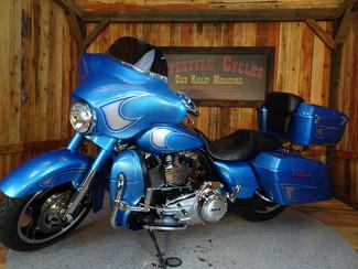 2011 Harley-Davidson Street Glide® Anaheim, California 10