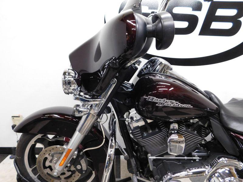 2011 Harley-Davidson Street Glide FLHX in Eden Prairie, Minnesota