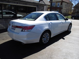 2011 Honda Accord EX-L Milwaukee, Wisconsin 3