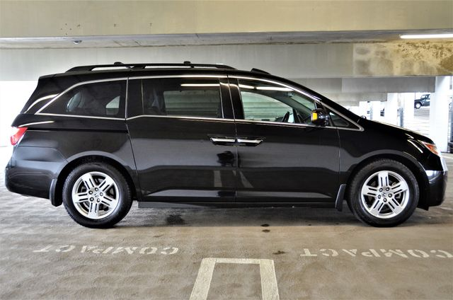 2011 Honda Odyssey Touring Reseda, CA 22