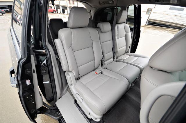 2011 Honda Odyssey Touring Reseda, CA 8