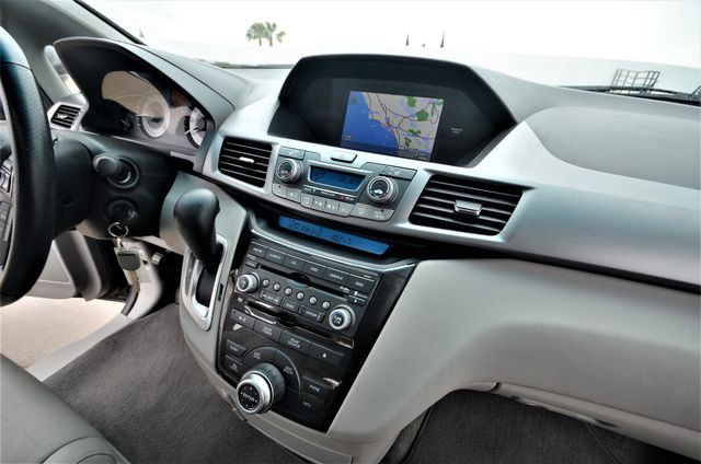 2011 Honda Odyssey Touring Reseda, CA 9