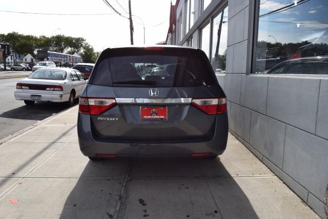 2011 Honda Odyssey LX Richmond Hill, New York 4