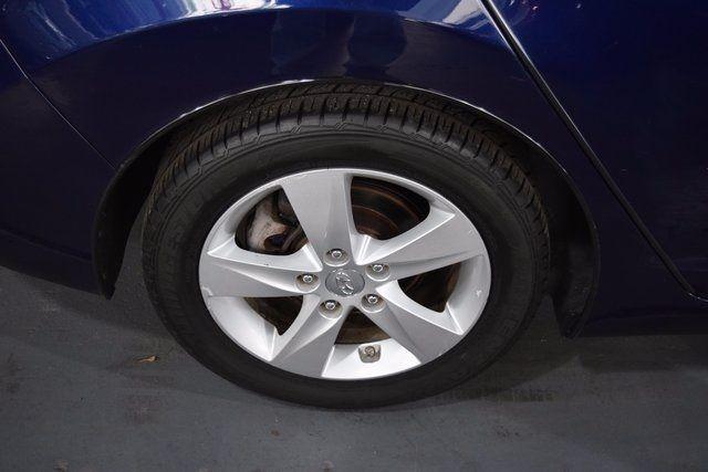 2011 Hyundai Elantra Richmond Hill, New York 5