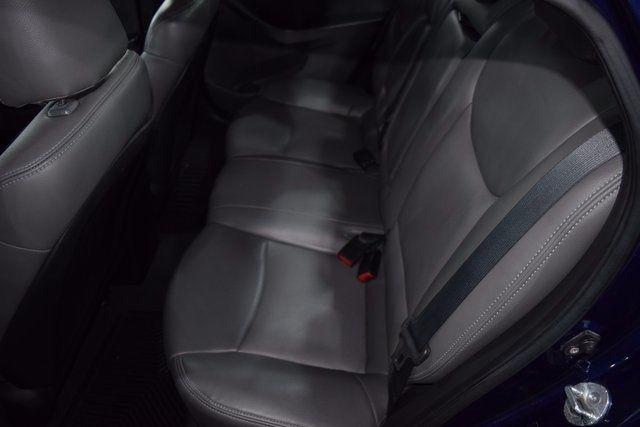 2011 Hyundai Elantra Richmond Hill, New York 8
