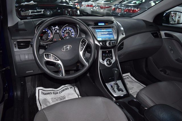 2011 Hyundai Elantra Richmond Hill, New York 9