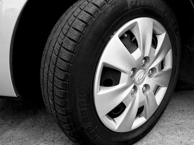 2011 Hyundai Elantra Touring GLS Burbank, CA 15