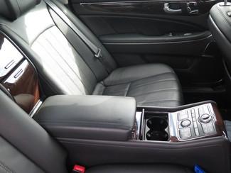 2011 Hyundai Equus Signature Ravenna, MI 3