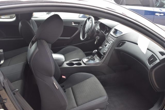 2011 Hyundai Genesis Coupe 2dr 2.0T Auto Richmond Hill, New York 5