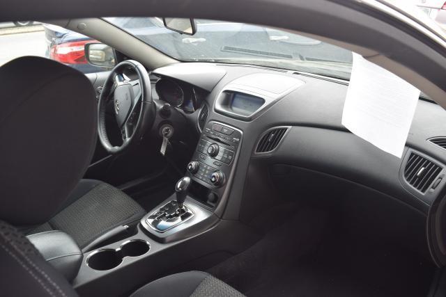 2011 Hyundai Genesis Coupe 2dr 2.0T Auto Richmond Hill, New York 6