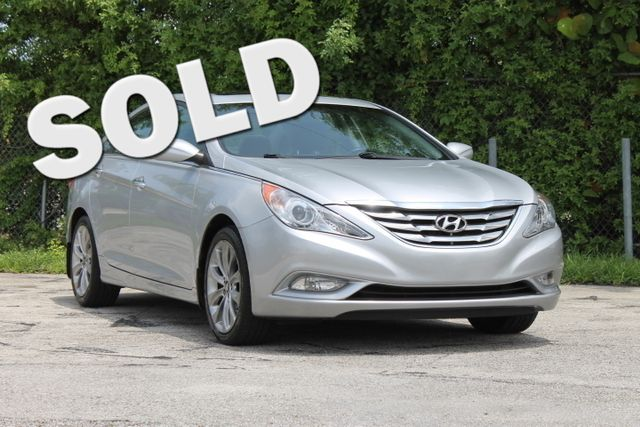 2011 Hyundai Sonata SE  WARRANTY CARFAX CERTIFIED 1 OWNER 15 SERVICE RECORDS GAS SAVER FLO