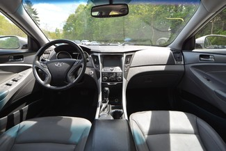 2011 Hyundai Sonata Hybrid Naugatuck, Connecticut 9