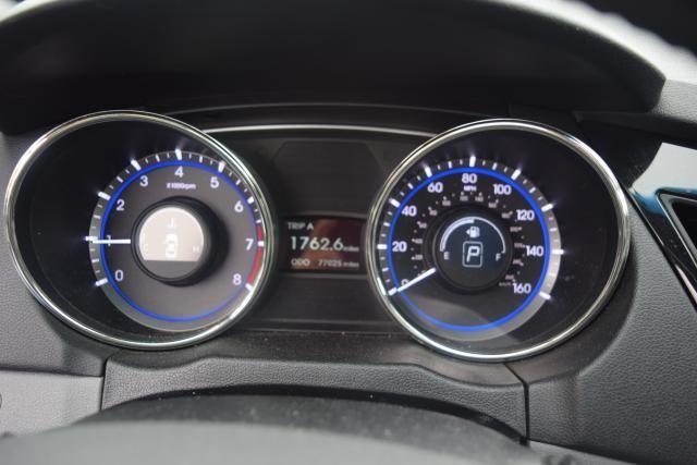 2011 Hyundai Sonata 4dr Sdn 2.0L Auto Richmond Hill, New York 12