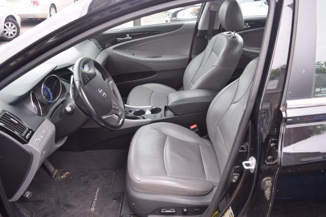 2011 Hyundai Sonata 4dr Sdn 2.0L Auto Richmond Hill, New York 9