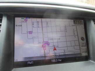 2011 Infiniti QX56 8-passenger Farmington, Minnesota 7