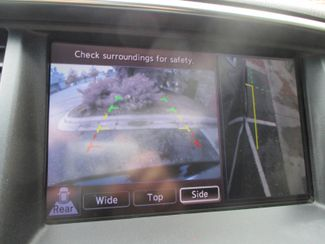 2011 Infiniti QX56 8-passenger Farmington, Minnesota 8