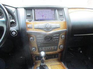 2011 Infiniti QX56 8-passenger Farmington, Minnesota 9