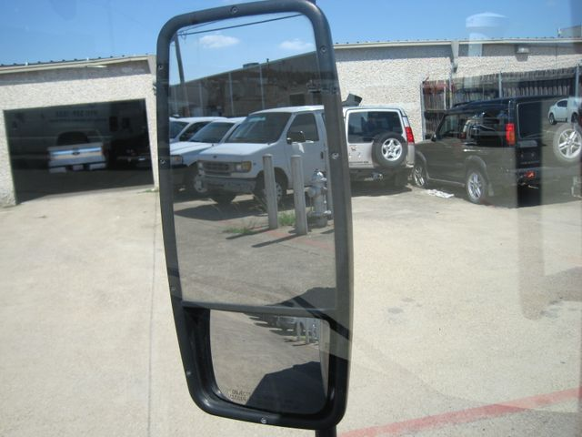 2011 Isuzu NPR DSL, 14ft Box Van with Liftgate,  1 Owner, Only 88k Miles Plano, Texas 22