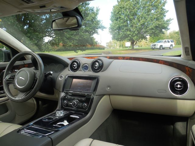 2011 Jaguar XJ XJL Leesburg, Virginia 17