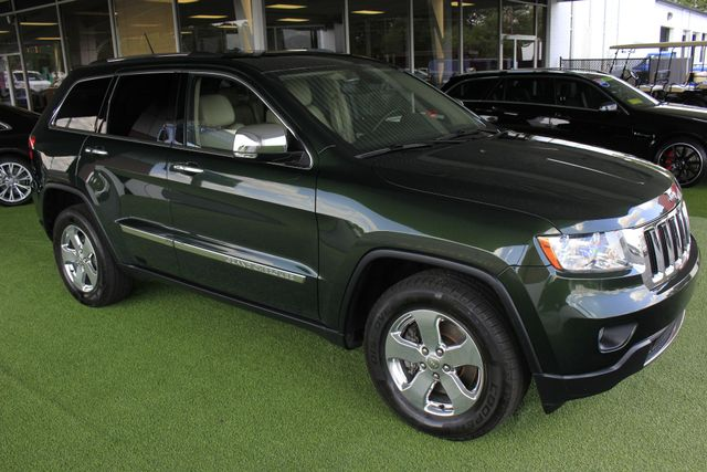 2011 Jeep Grand Cherokee Limited LUXURY 4WD - NAV - REAR DVD - SUNROOF Mooresville , NC 23