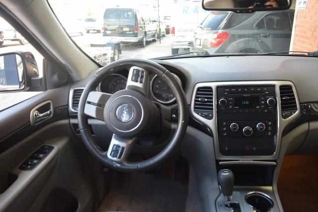 2011 Jeep Grand Cherokee Laredo Richmond Hill, New York 7