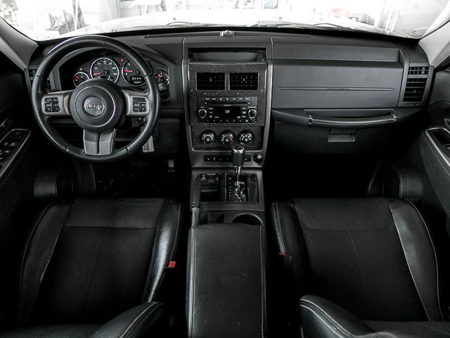 2011 Jeep Liberty Limited Burbank, CA 23